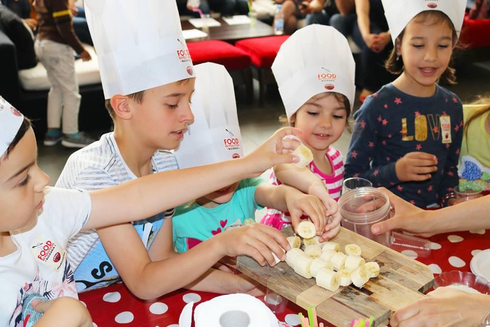 Тотал Спорт клуб - децата в ролята на готвачи - Food Revolution Day