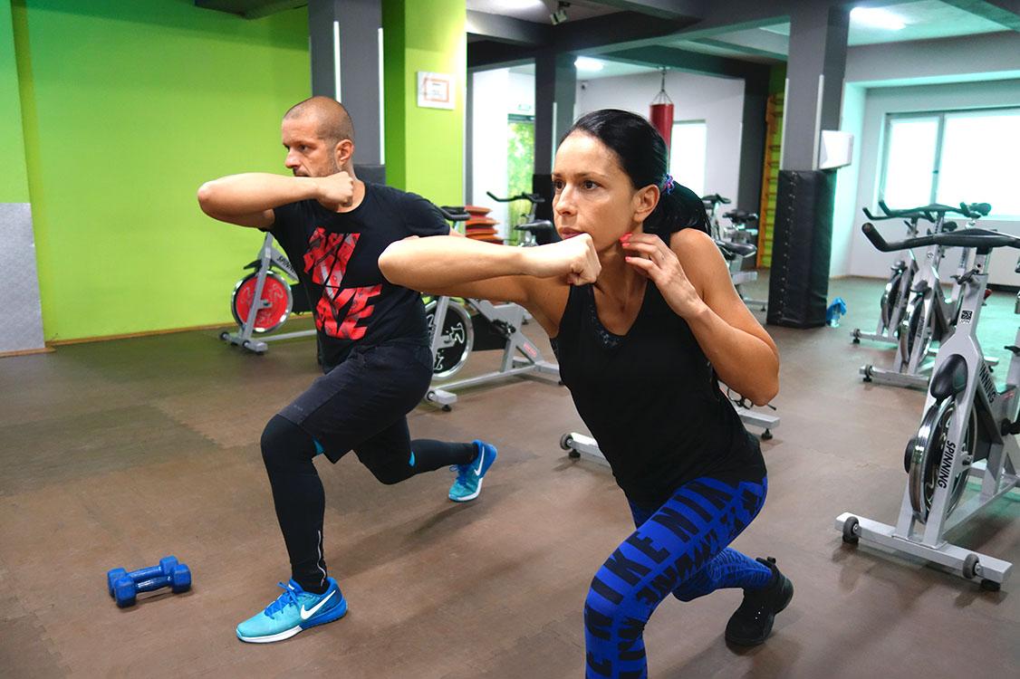 Tapout XT тренировка с Пламен и Мария - квалифицирани инструктори в Тотал спорт